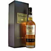 Tullibardine 20 year old delivers vanilla, cocoa, honey, and oatmeal available to buy online from specialist whisky shop whiskys.co.uk Stamford Bridge York