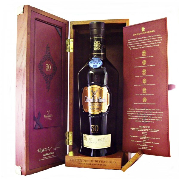 Glenfiddich 30 year old Single Malt Whisky 2010