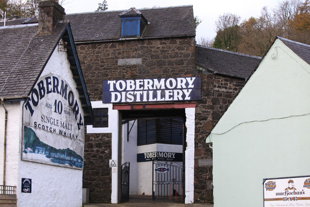 tobermory_distillery_-_geograph-org-uk_-_1657353