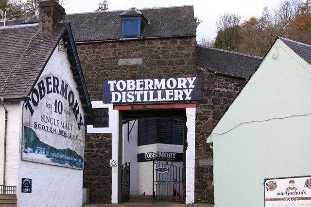 tobermory_distillery_-_geograph-org-uk_-_1657353