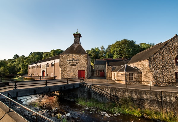 glenrothes-whisky-distillery-exterior